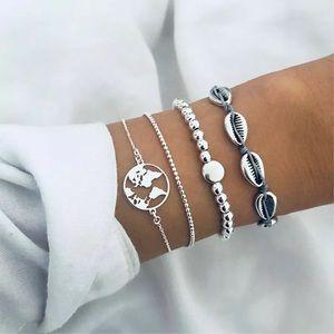 Jewelry - 💛👑💕Brand new!! Bracelet set of 4!